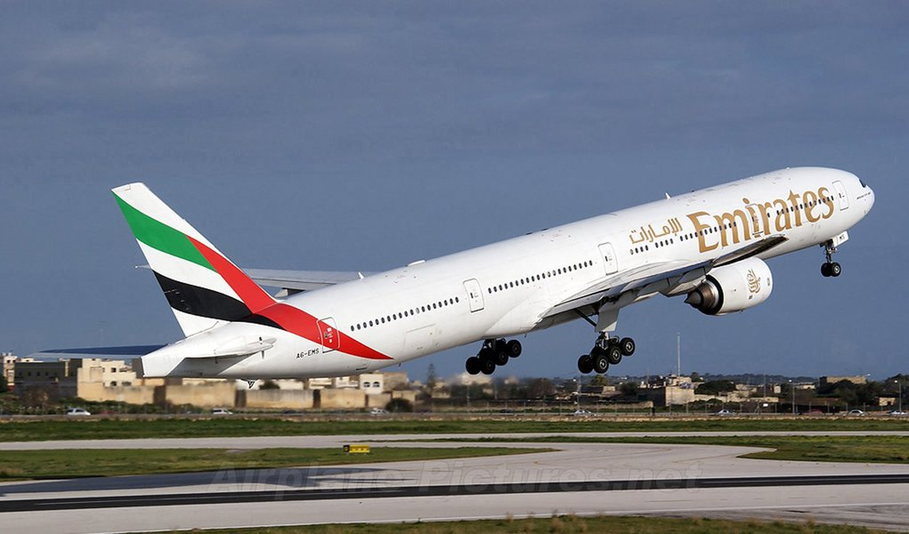 Emirates Airline faz compra recorde da Boeing