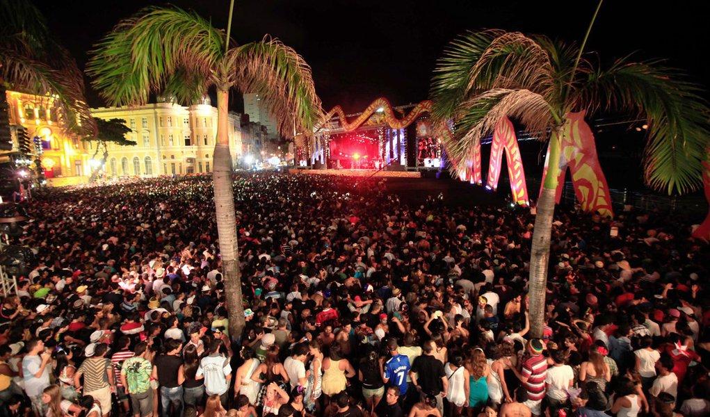 Carnaval tem sua apoteose no Marco Zero