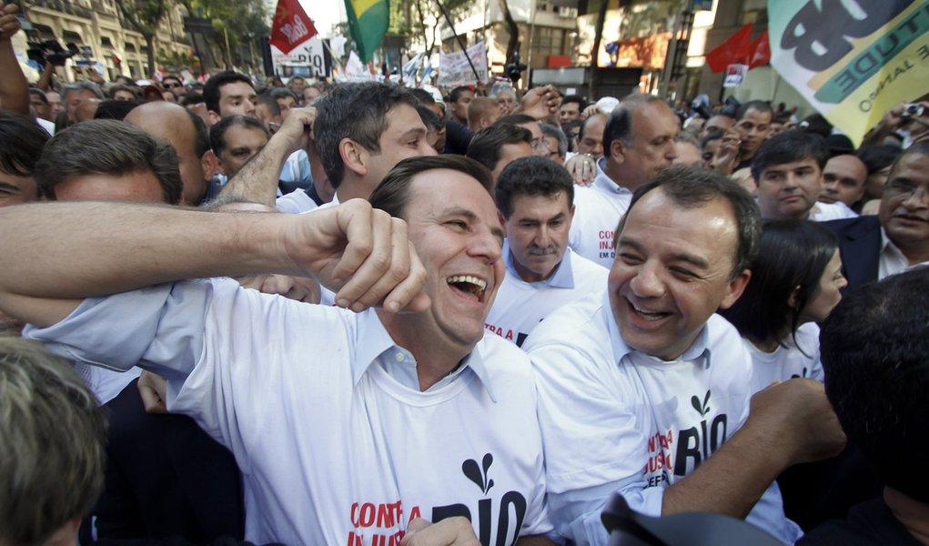 """150 mil defendem direitos do Rio em """"dia histórico"""""""