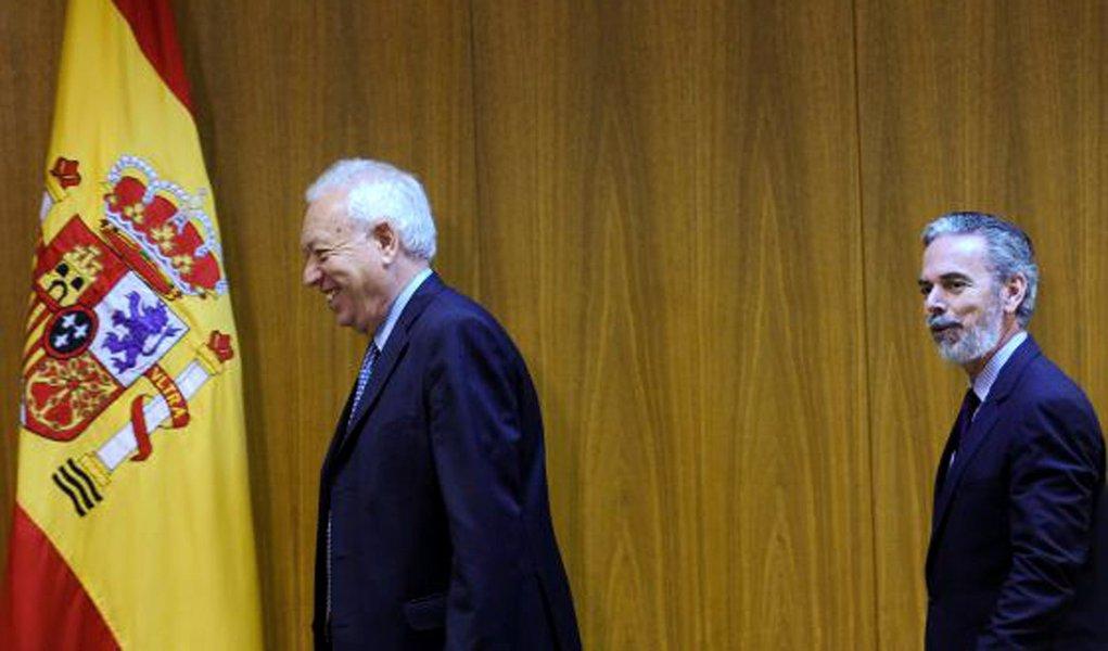 Em baixa, Espanha tenta acordo com Brasil