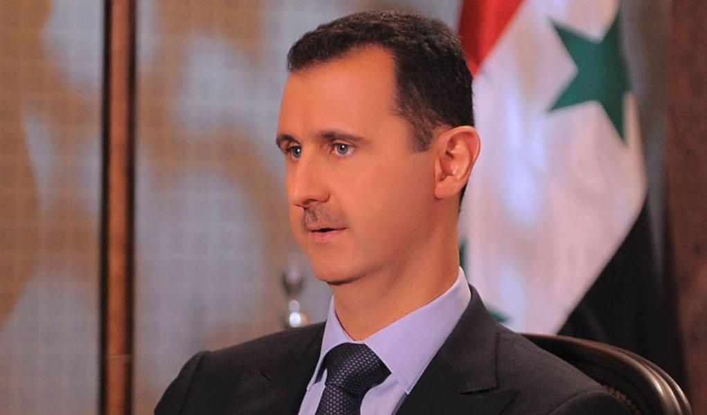 Navios de guerra iranianos chegam à Síria em apoio a Assad