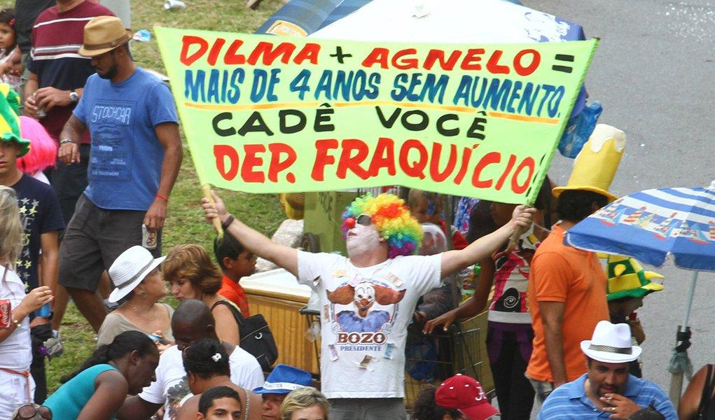 Pacotão não poupa críticas a políticos e à imprensa