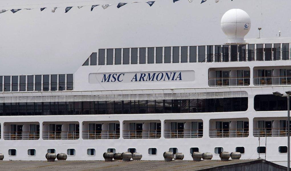 Hospital dá alta a três pessoas que passaram mal em cruzeiro
