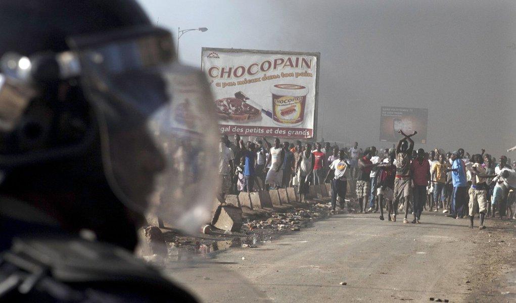 Manisfestação contra reeleição no Senegal é reprimida