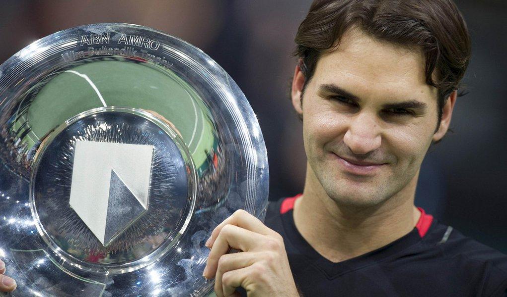 Federer bate Del Potro e fatura título em Roterdã