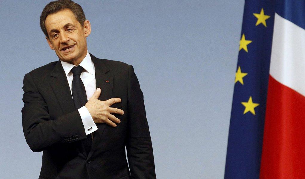 """Sarkozy leva """"surra"""" em pesquisa eleitoral"""
