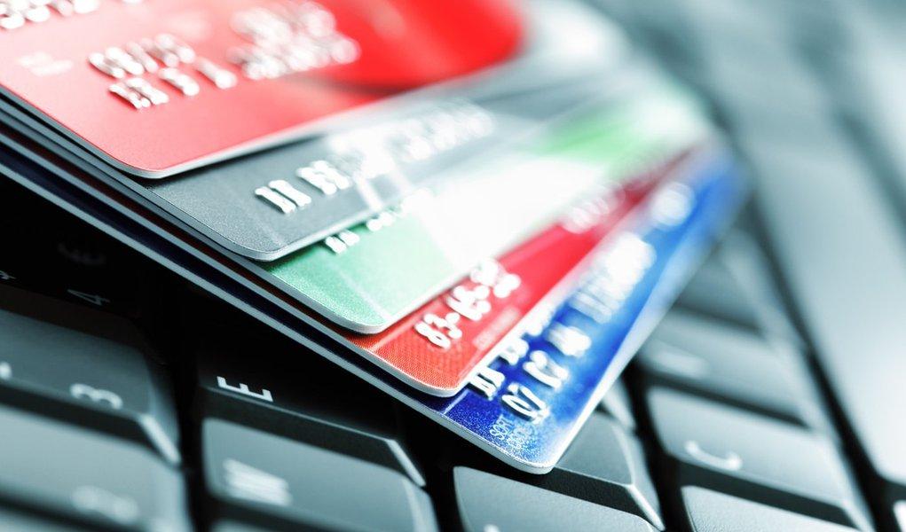 Comércio online deve crescer 25% em 2012
