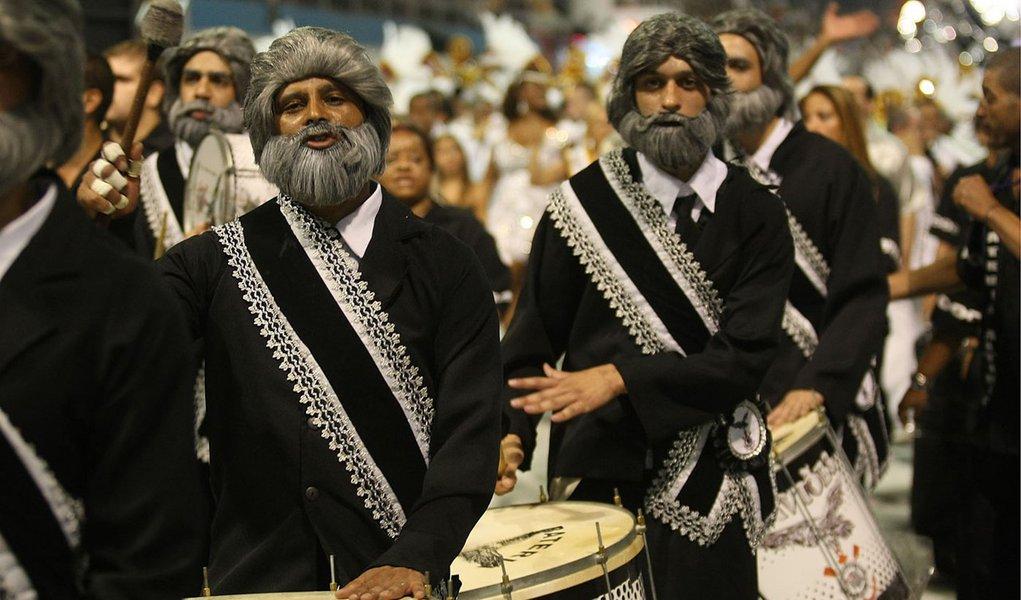 Desfile da Gaviões enterra aliança Haddad-Kassab