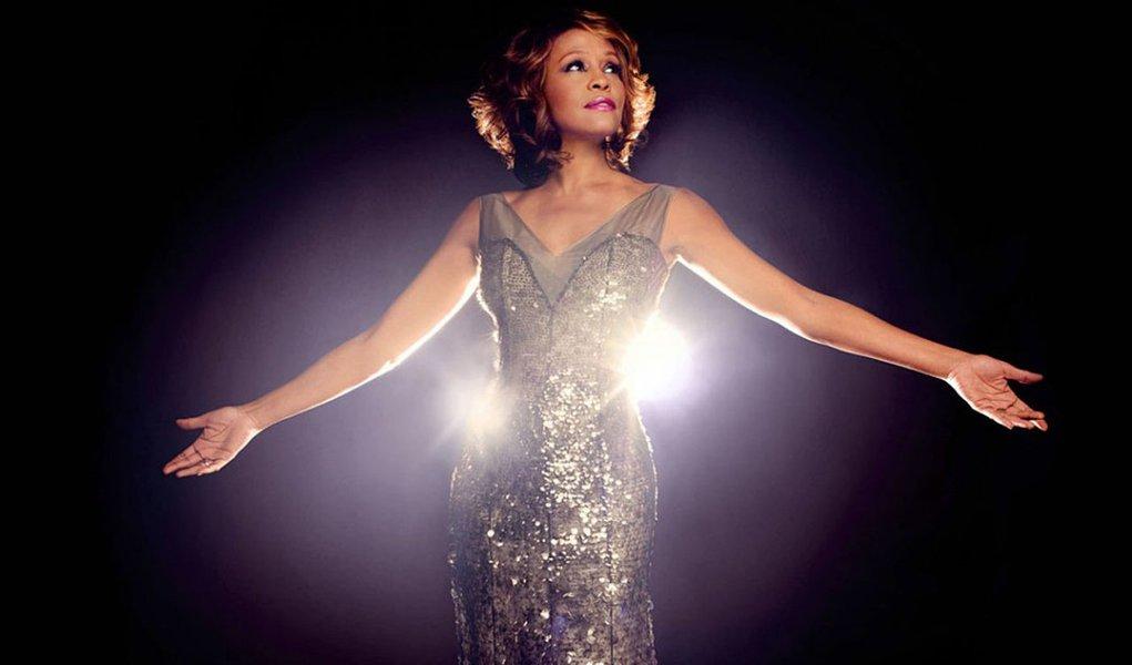 Funeral de Whitney Houston foi marcado por homenagens