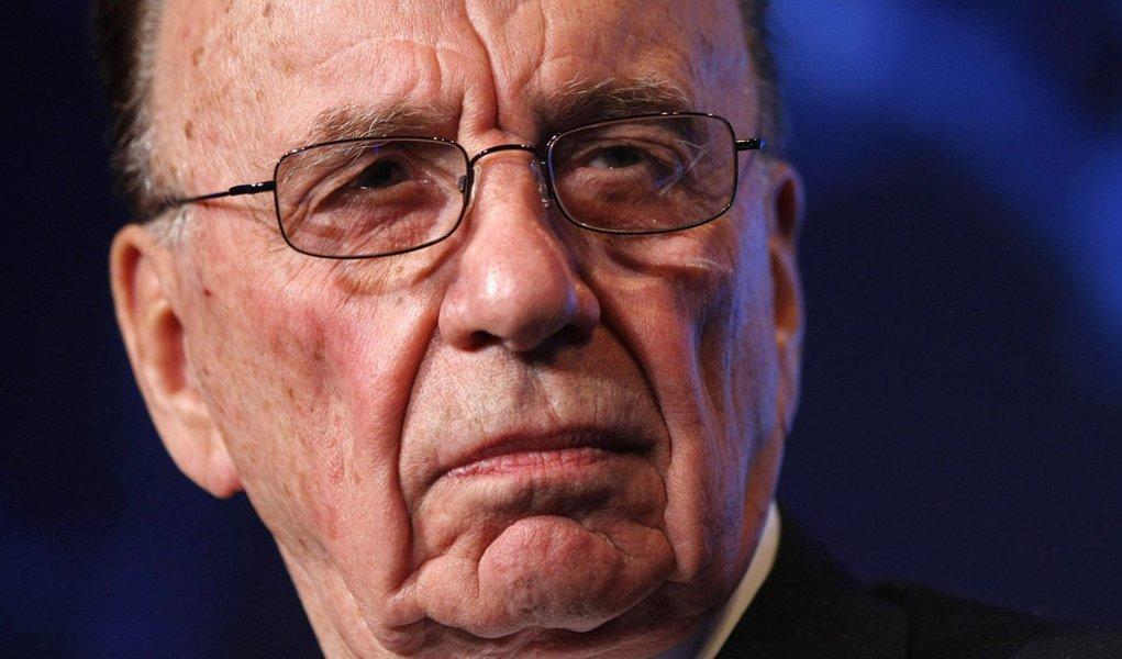 Rupert Murdoch vai lançar novo tablóide dominical