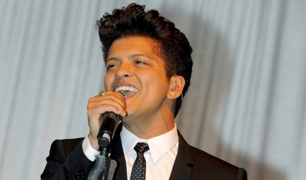 Bruno Mars lança hit meloso na trilha de Amanhecer