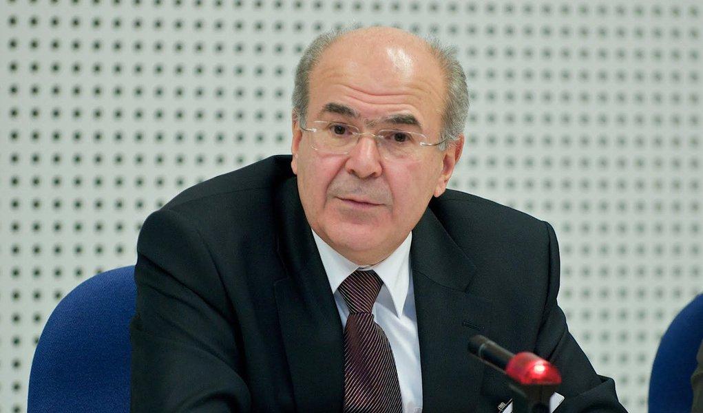 Vassilis Skouris é cotado para assumir governo interino grego