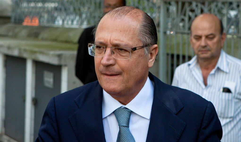 Alckmin garante prévias, mas deixa porta aberta para Serra
