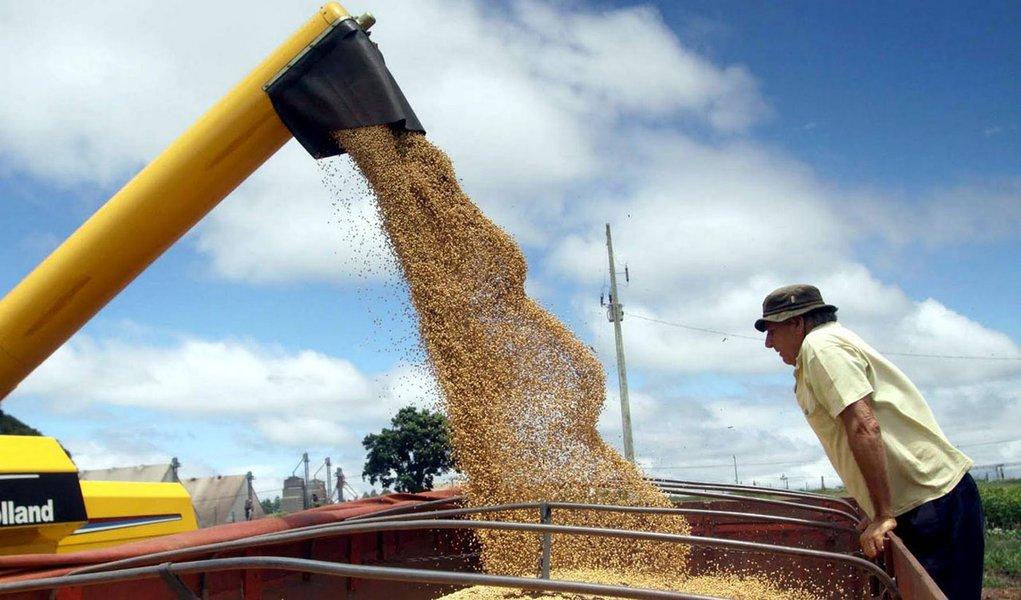 Frete de grãos deverá subir menos em 2012
