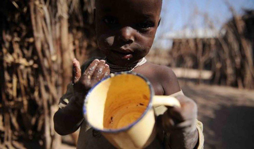 Ao menos cinco crianças morrem de fome a cada minuto