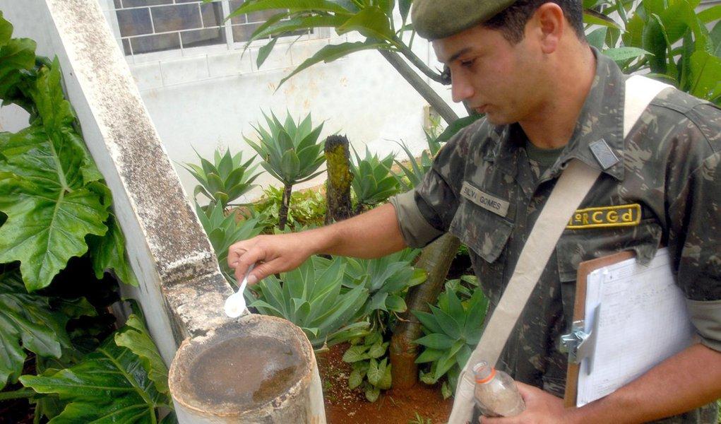 Exército reforçará combate à dengue no Recife