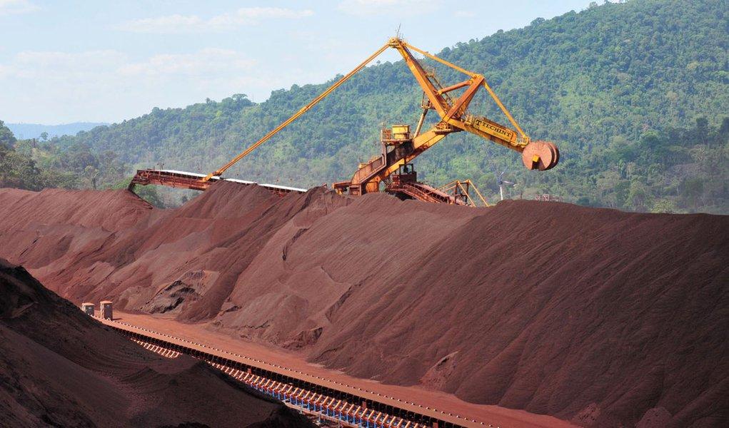 Vale tem lucro recorde de US$ 22,885 bilhões em 2011