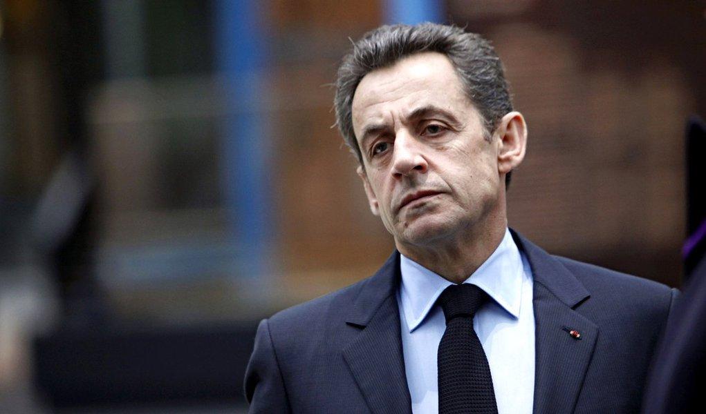 Nicolas Sarkozy anuncia sua candidatura esta noite