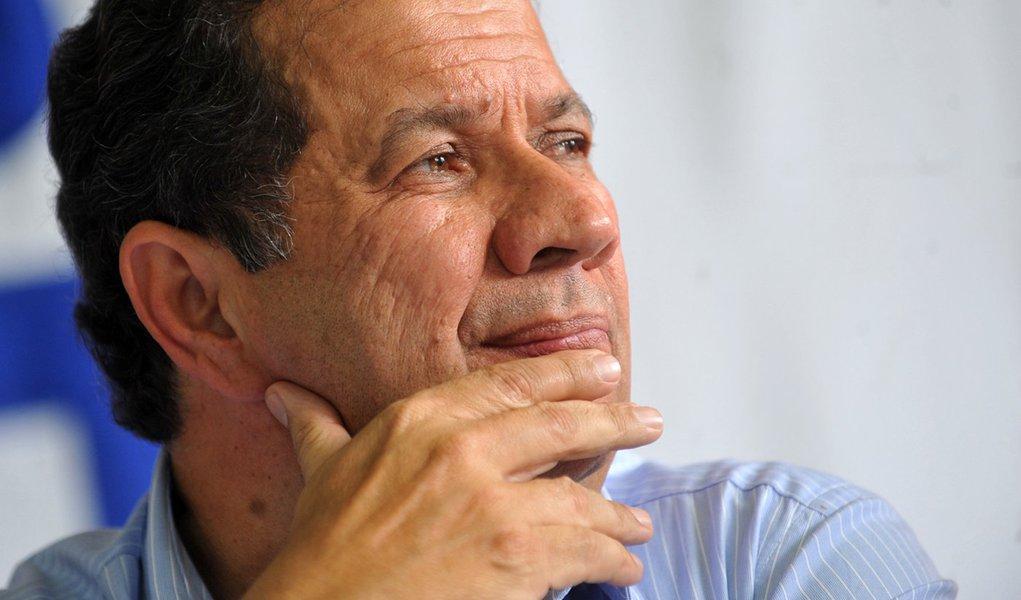 Dilma deve consultar Lupi para definir nome do Trabalho