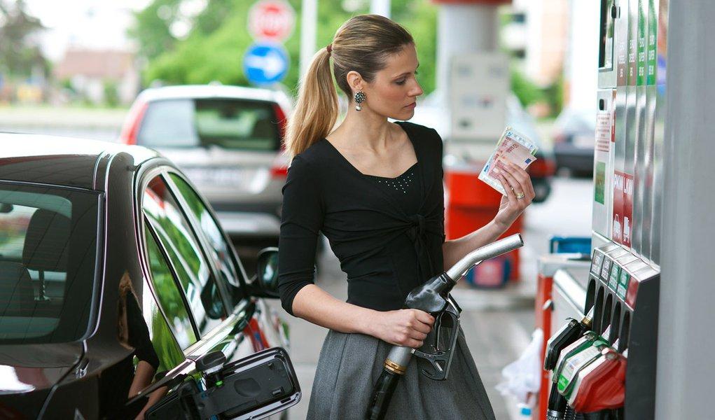 Os carros mais econômicos, na cidade e na estrada