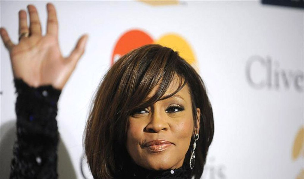 Pré-festa do Grammy faz homenagem a Whitney Houston