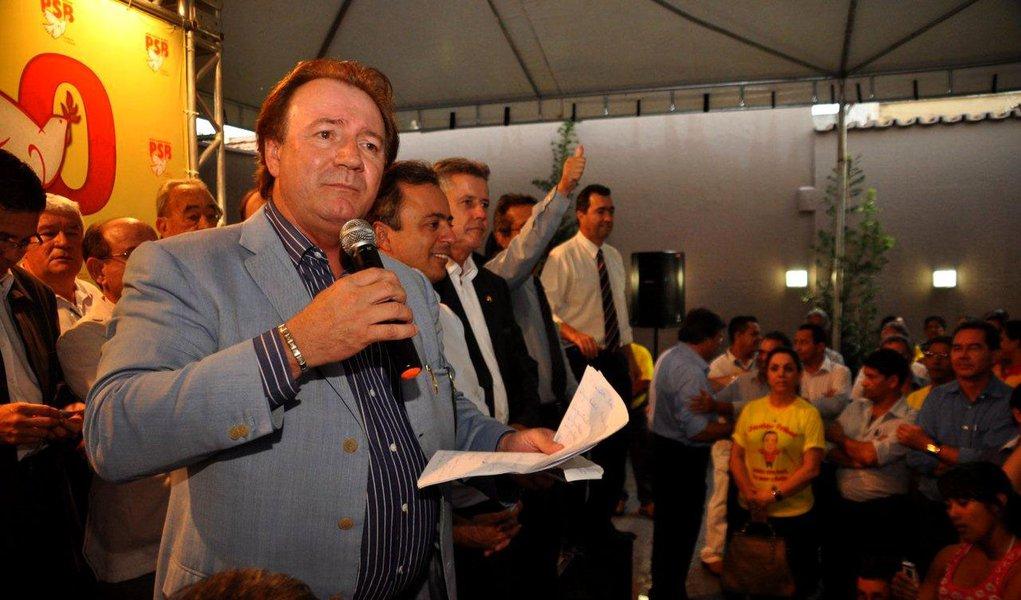 Dono da Friboi diz não temer governador de Goiás