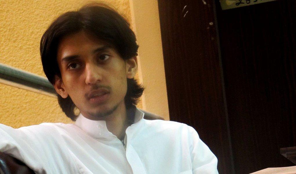 Colunista que escreveu sobre Maomé no Twitter é preso