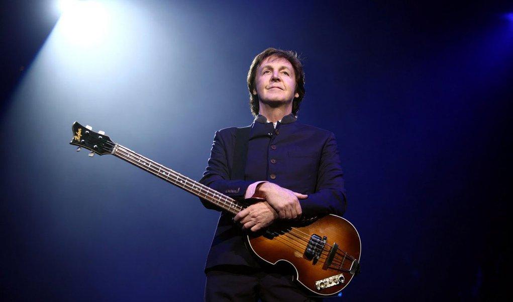 Paul McCartney faz show ao vivo pela internet