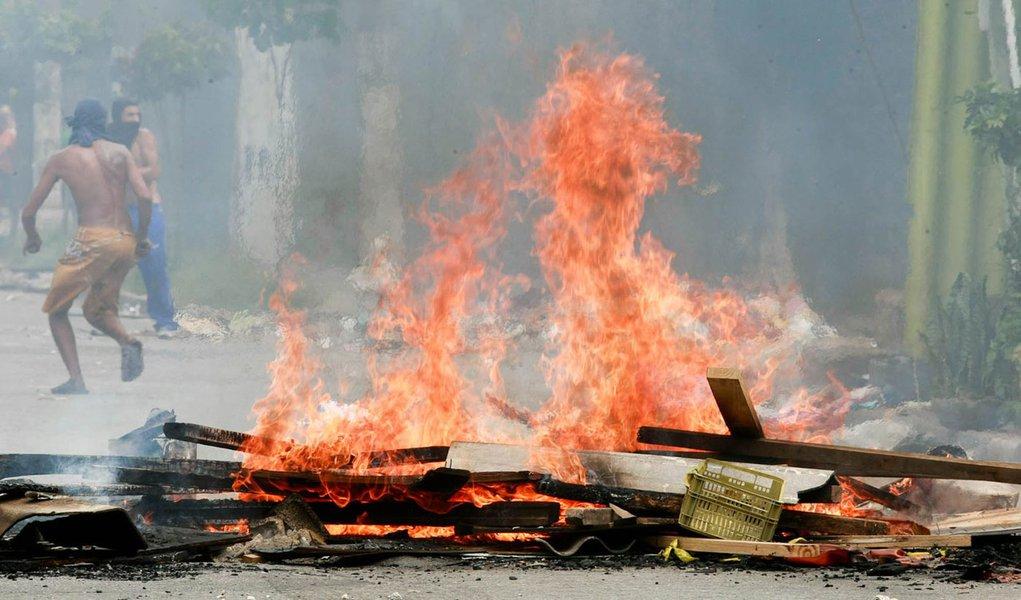 PMs e favelados se chocam na Grande São Paulo