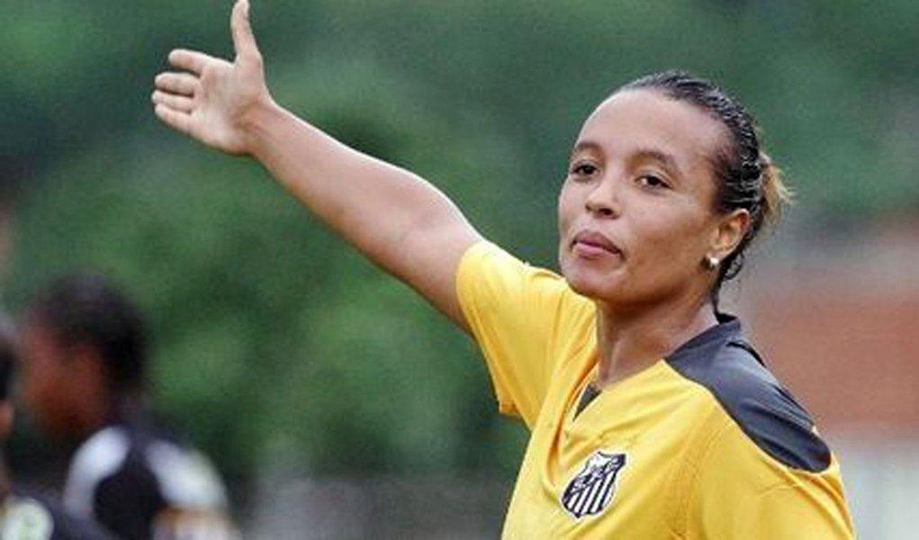 Jogadora de futebol ex-Santos é presa em São Paulo