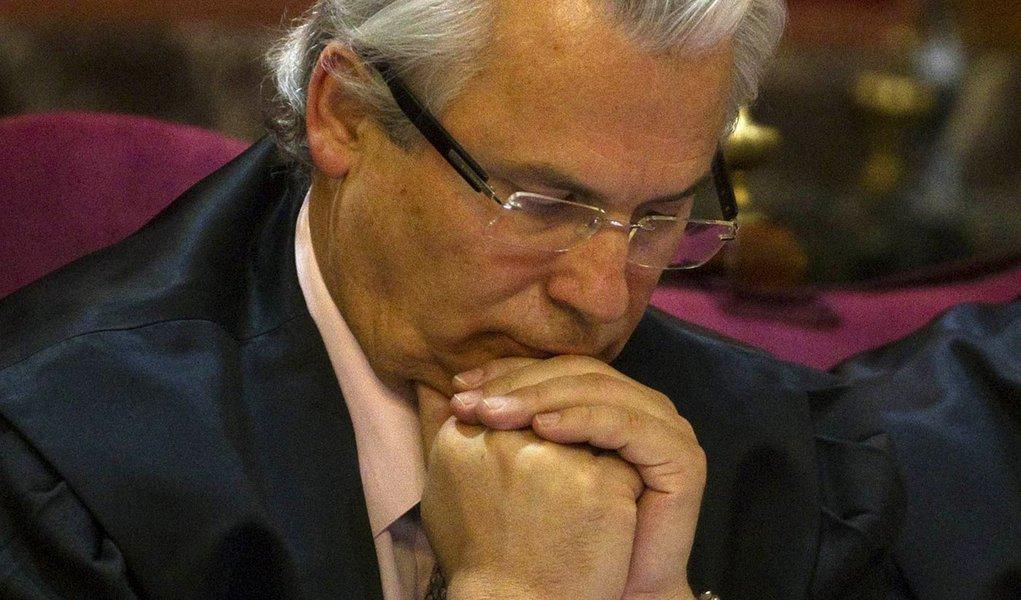 Tribunal condena Baltasar Garzón a 11 anos de suspensão