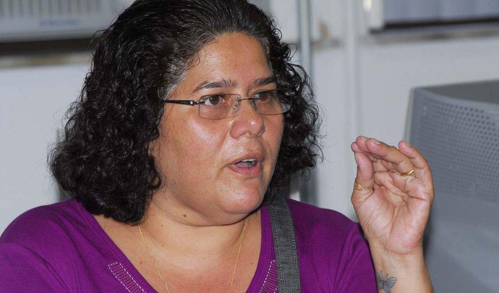 Deputada assume ser interlocutora de líder grevista