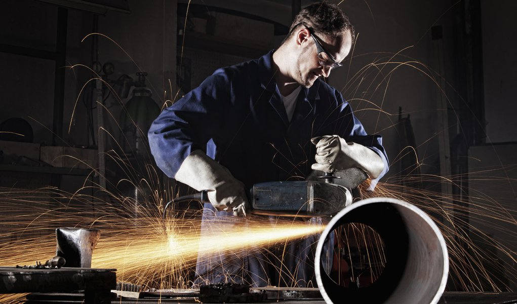 Produção industrial ficou estagnada em 2011