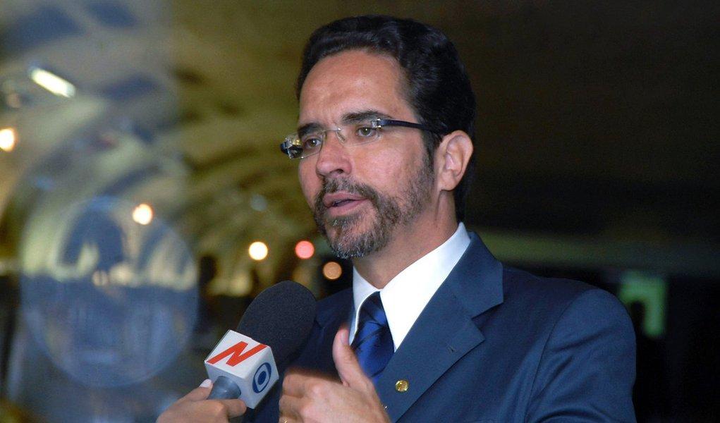 Ato marca apoio de líderes sindicais a Maurício Rands