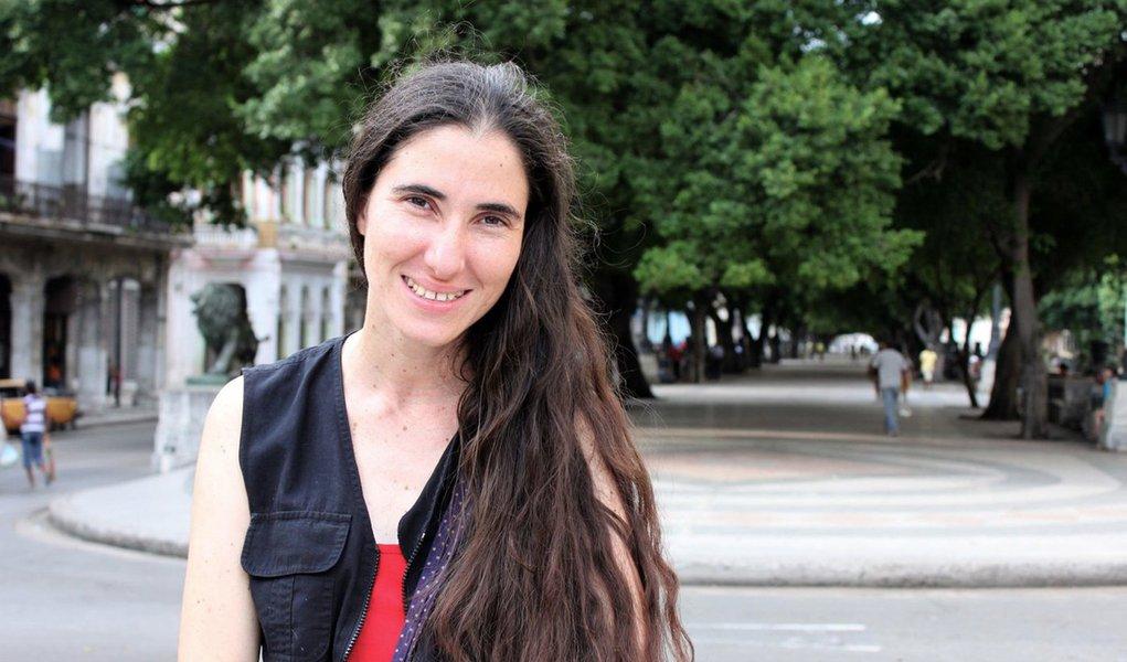 Blogueira Yoani não poderá vir ao Brasil