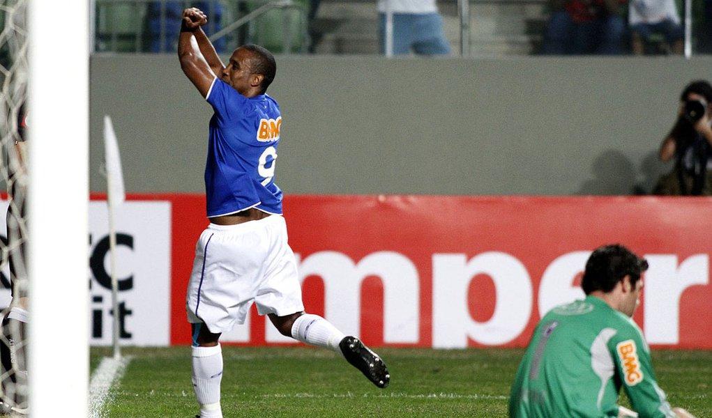 Cruzeiro empurra Palmeiras para zona de rebaixamento