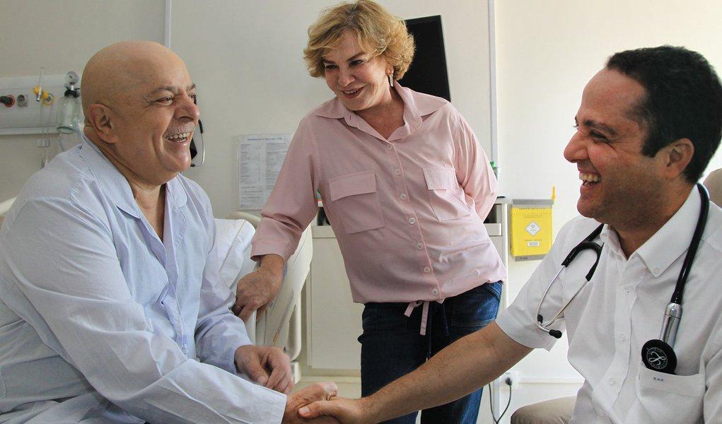 Lula descansa após sessão de radioterapia