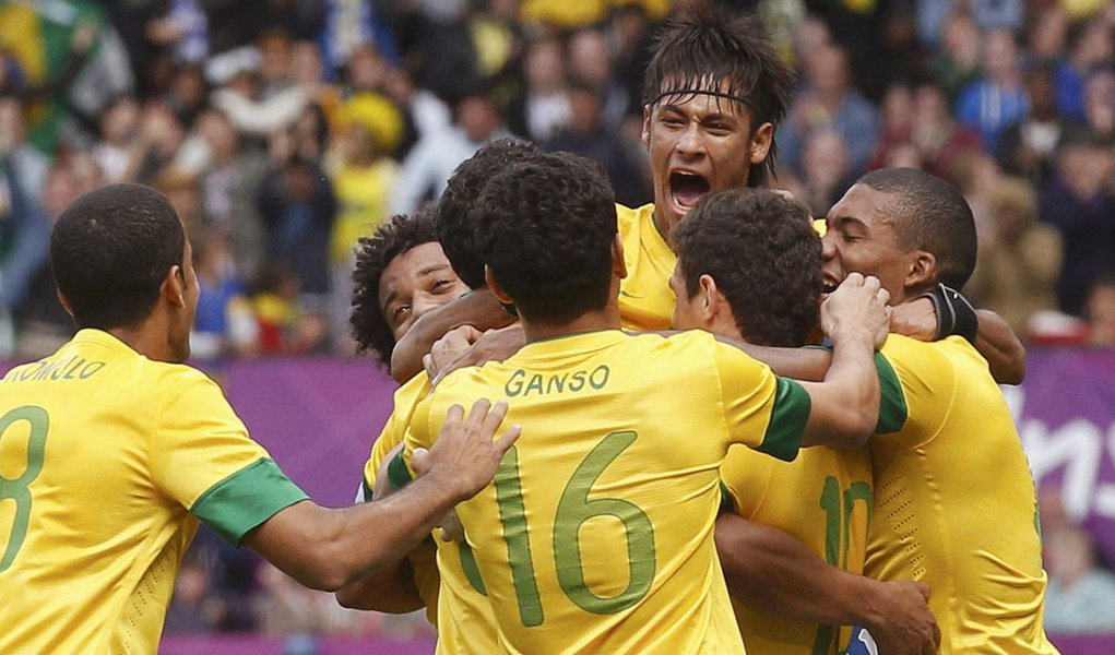 Brasil bate Bielorrússia e se classifica para quartas-de-final