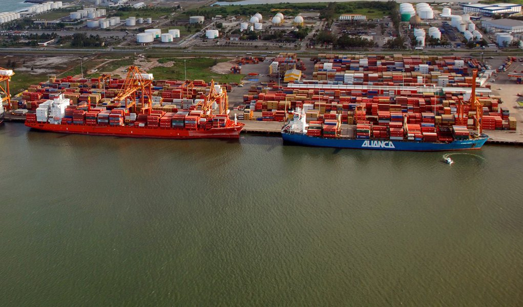 Anvisa fixa regras para garantir importação de produtos durante greve