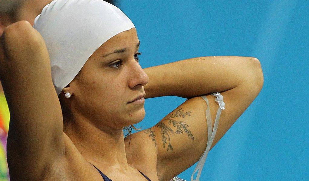 Joanna sofre corte e não disputa 400 metros medley
