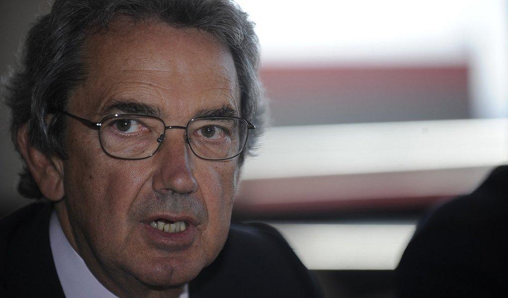 Presidente mundial da TIM admite atrasos em investimentos
