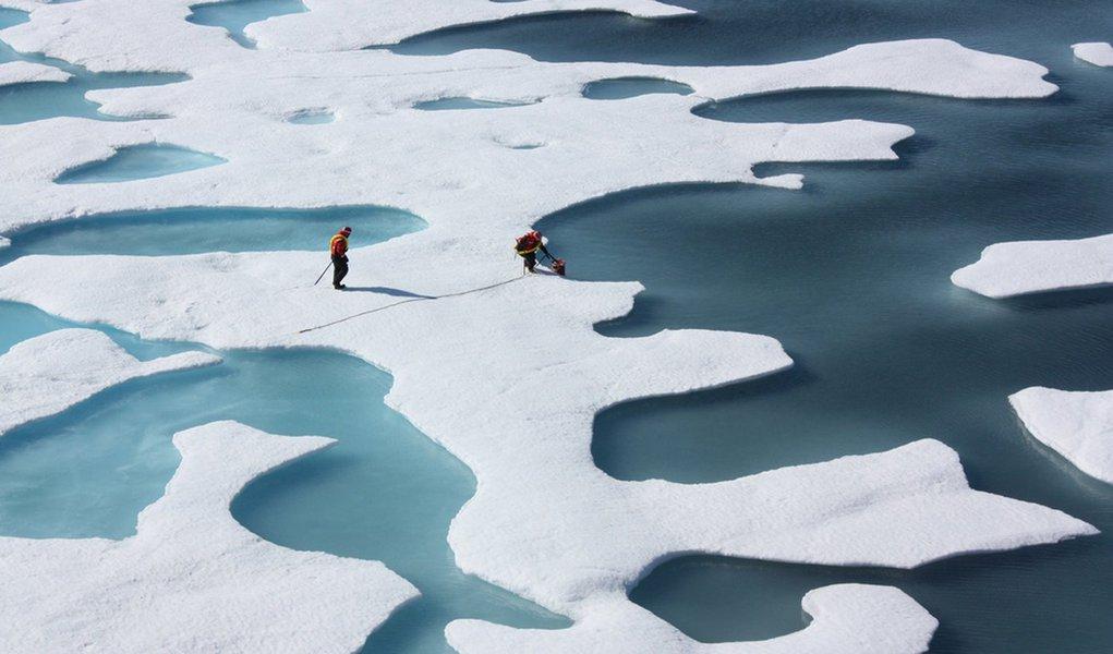 Gelo no Ártico vem diminuindo com o aquecimento global