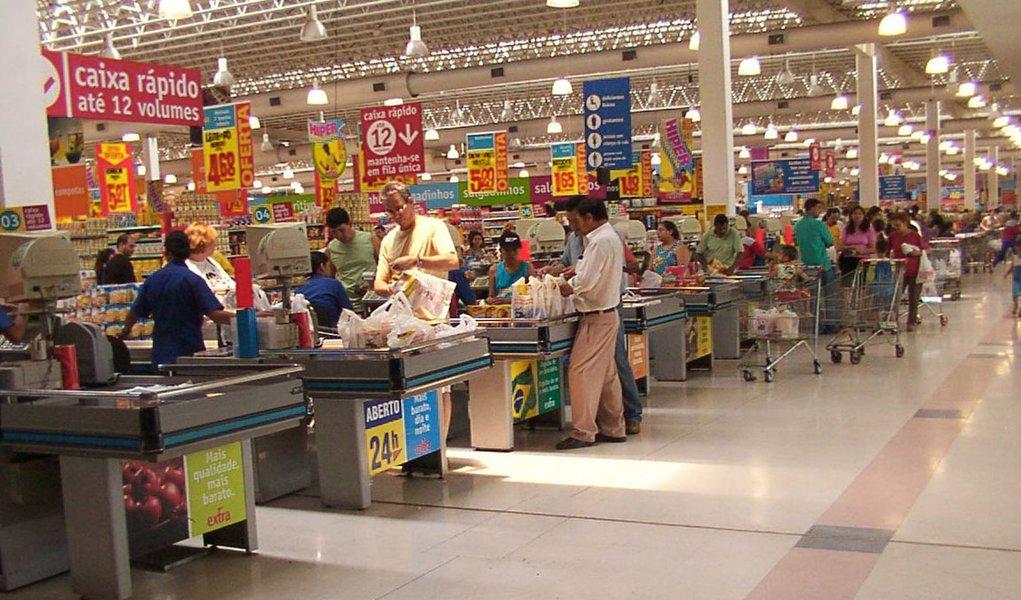 Brasileiros vão consumir equivalente a R$ 1,3 trilhão neste ano