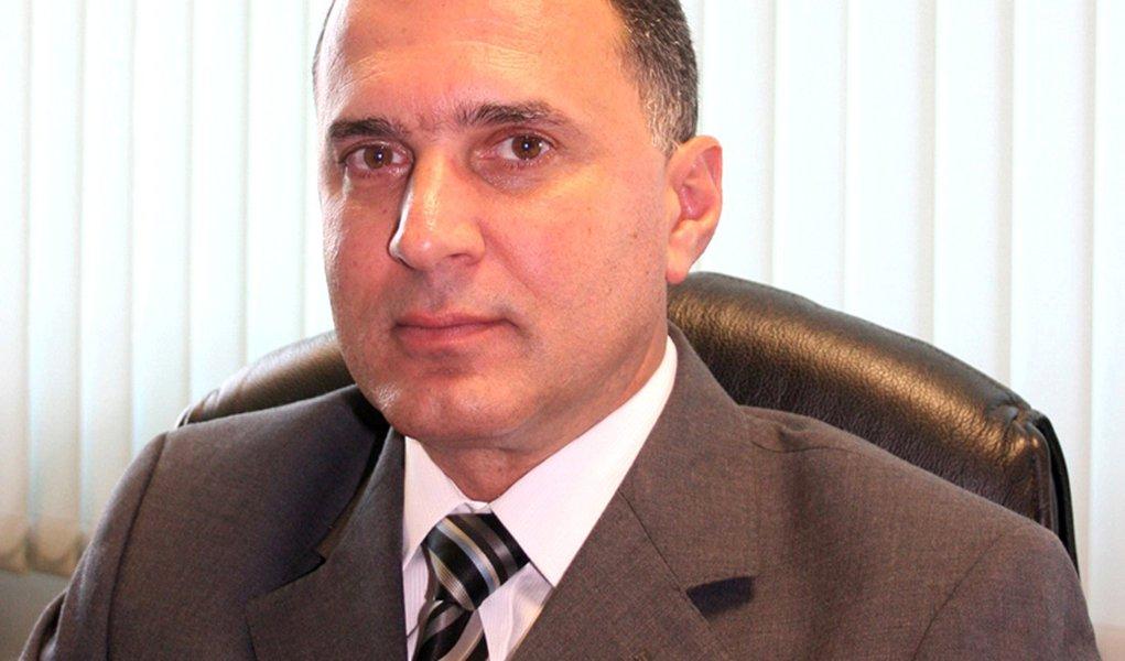 Justiça afasta juiz que ajudava grupo de Cachoeira