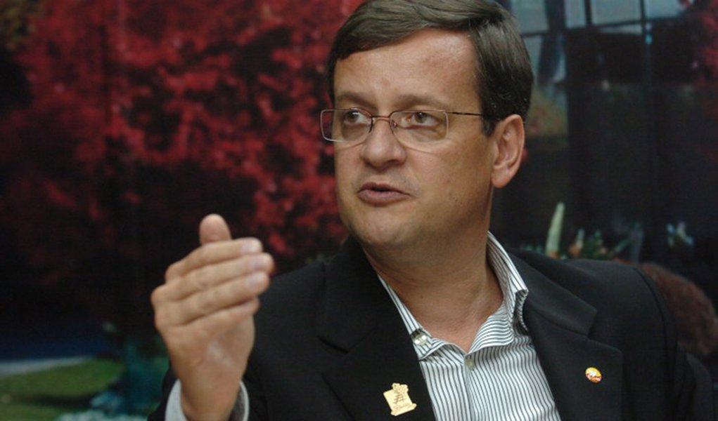 Líder do PSB minimiza resultado de pesquisa