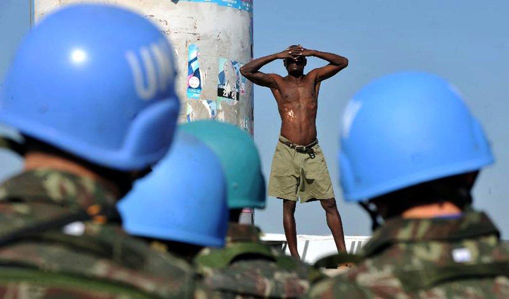 Exército brasileiro é acusado de maus tratos no Haiti
