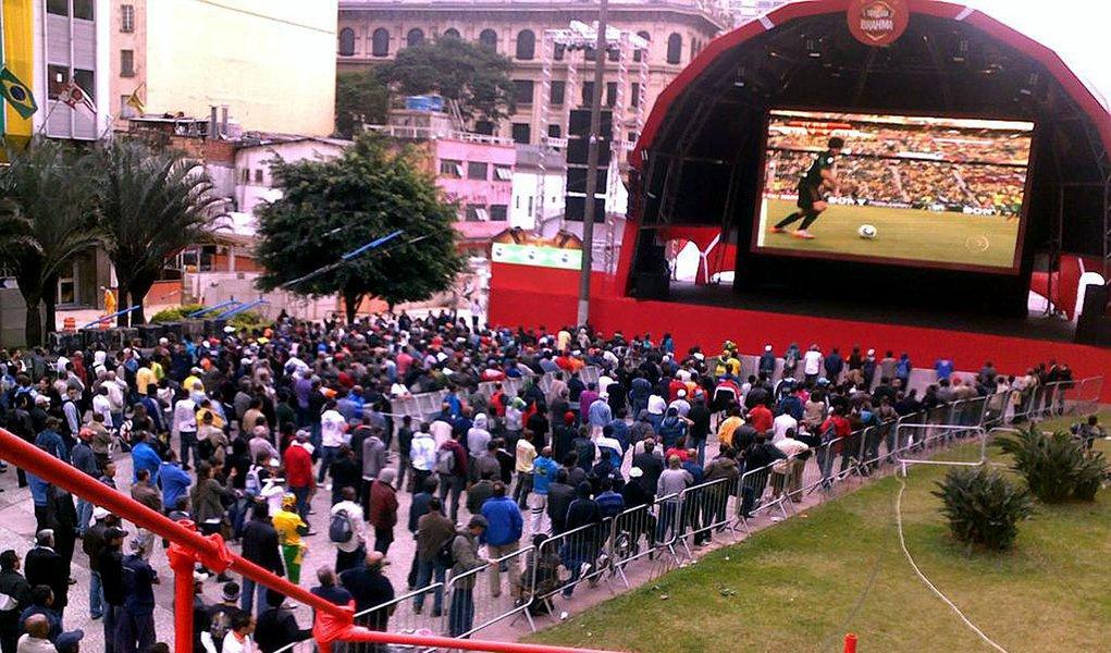 Exibição de jogos da Copa deverão ter licença da Globo