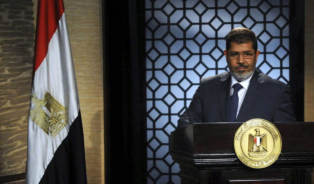 Presidente do Egito determina volta do Parlamento