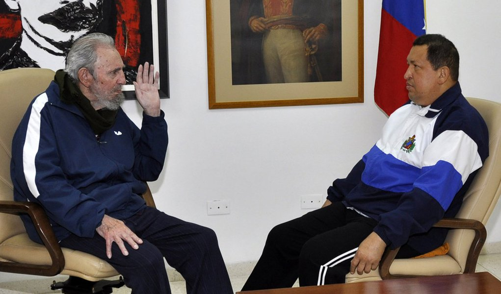Cuba divulga fotos de Chávez após cirurgia