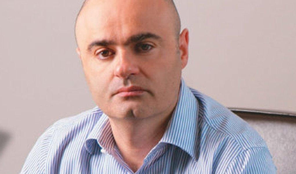 Mario Sabino volta para a Veja, mas na Europa